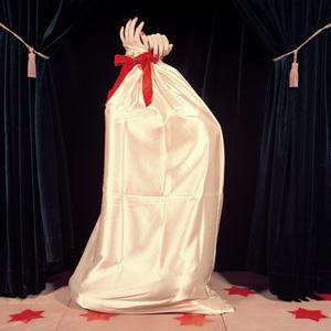 Christina Glob: The Bag, Cabinet Cabaret